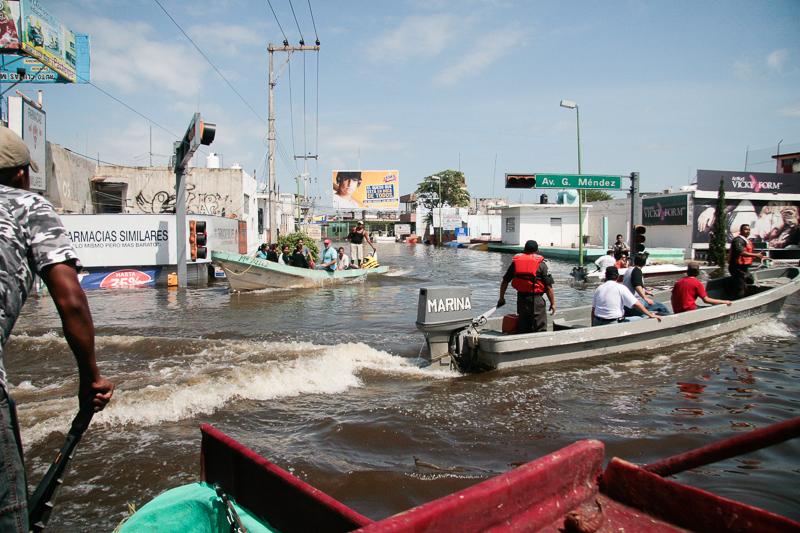 El día en que el agua rodeó al Presente (La Gran Inundación IV) (3/3)