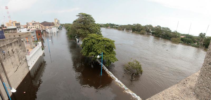 El día en que el agua rodeó al Presente (La Gran Inundación IV) (1/3)