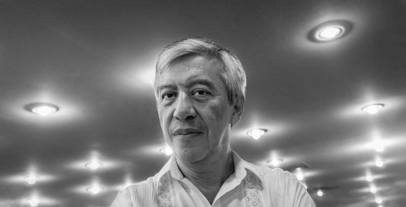 """Armando Cristeto el 30 de agosto de 2013, al final del diplomado ofrecido en Tabasco, el día del octavo aniversario luctuoso de su hermano, """"Adolfotógrafo"""". ©2013 Francisco Cubas"""