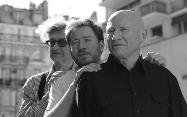 Wim Wenders, Juliano Ribeiro y Sebastiao Salgado. Foto: Sony Pictures Classics.